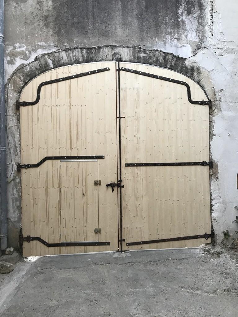 grand portail extérieur